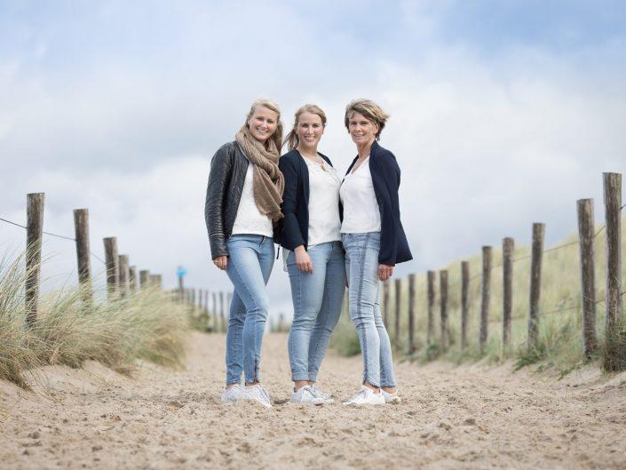 Fotoshoot in de duinen bij Egmond aan zee