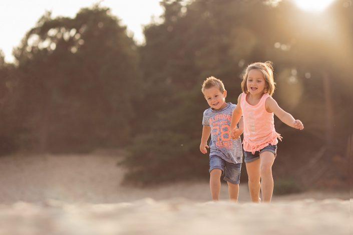 Familie fotograaf | Fotograaf Lelystad & Veluwe | Familie | Fotoshoot zandverstuiving Hulshorst harderwijk