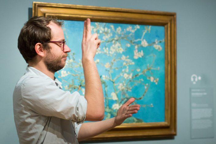 Fotoreportage Van Gogh Museum Amsterdam rondleiding gebarentaal