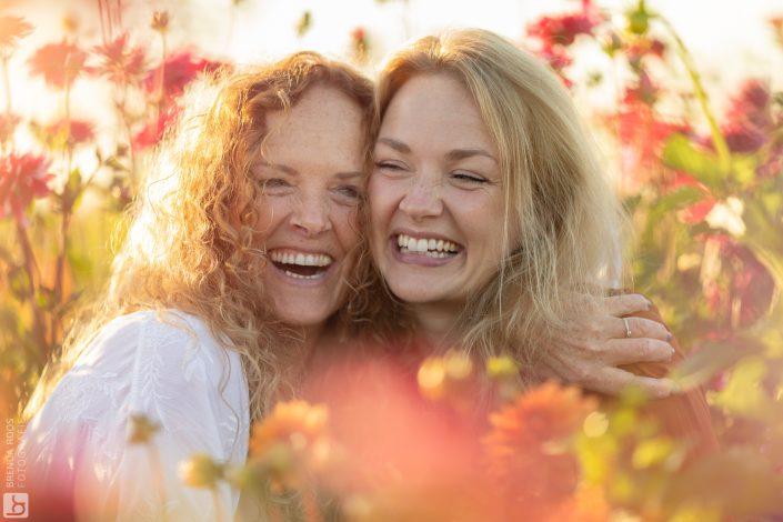 Bloementuin Fotoshoot tussen de bloemen pluktuin veluwe Flevopolder
