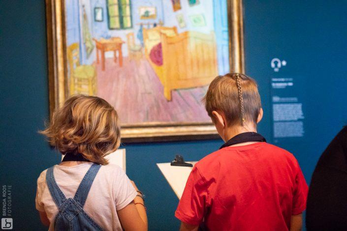 schilderen kind kinderfotograaf lelystad vangogh museum activiteiten verjaardagsfeestje tekenen op zaal