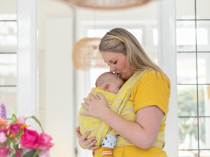 Newborn Draagshoot Borstvoeding