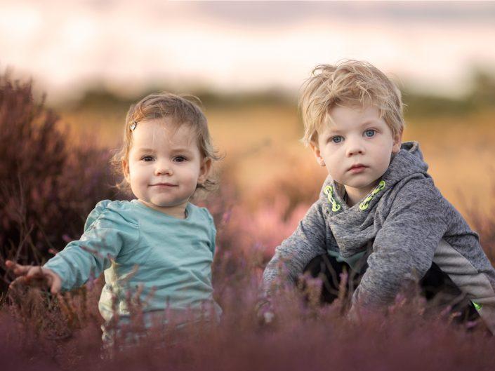 Broer en zus op de Veluwe