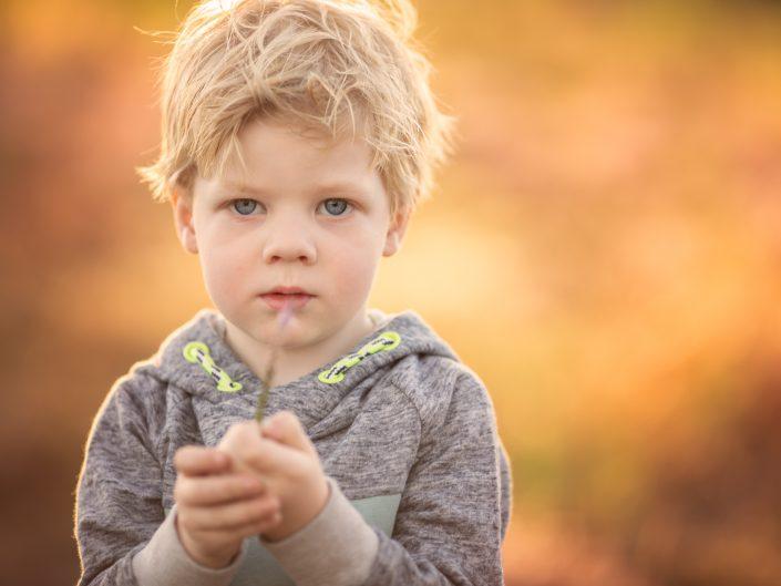 Broer en zusje fotoshoot kinderen Veluwe Harderwijk Doornspijk