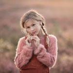 Zwolle Fotograaf Lelystad Veluwe paarse heide meisje fotoshoot