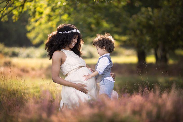 Fotograaf Lelystad Blaricum zwanger gezin paarse heide