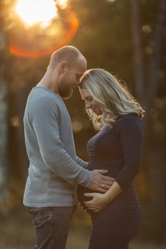 zwanger zwangerschaps fotoshoot fotograaf Lelystad Veluwe Doornspijk