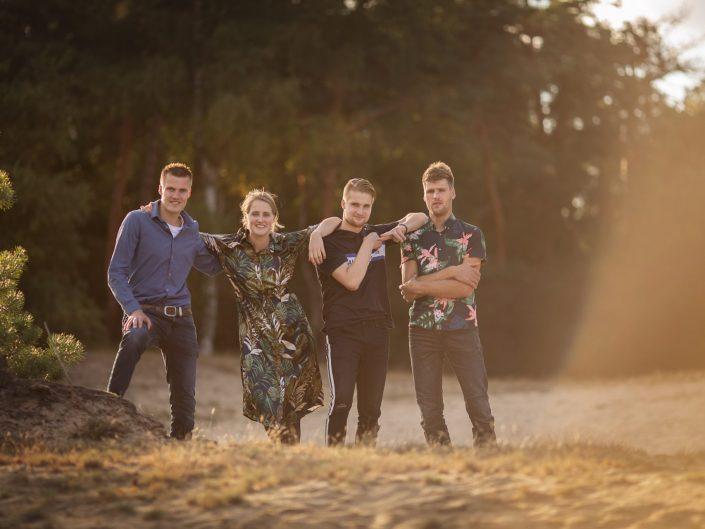 veluwe familie gezin fotoshoot gouden uur heide fotograaf Lelystad