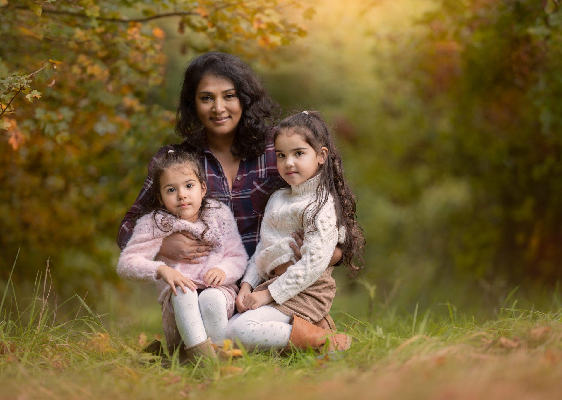 Fotograaf Lelystad moeder met tweelingdochters