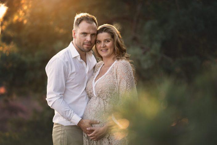 zwangerschaps fotoshoot paarse heide fotograaf